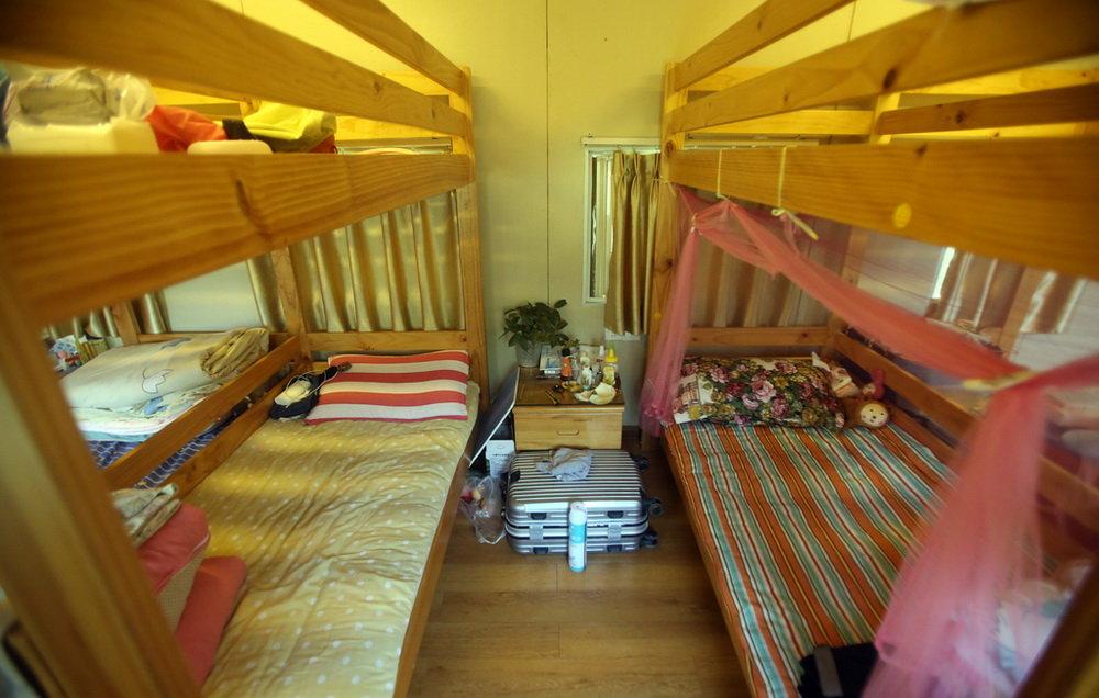 treno-abbandonato-casa-studenti-dormitorio-cina-zhengzhou-5
