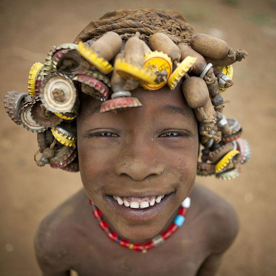 tribù-daasanach-ricicla-rifiuti-gioielli-testa-eric-lafforgue-etiopia-09
