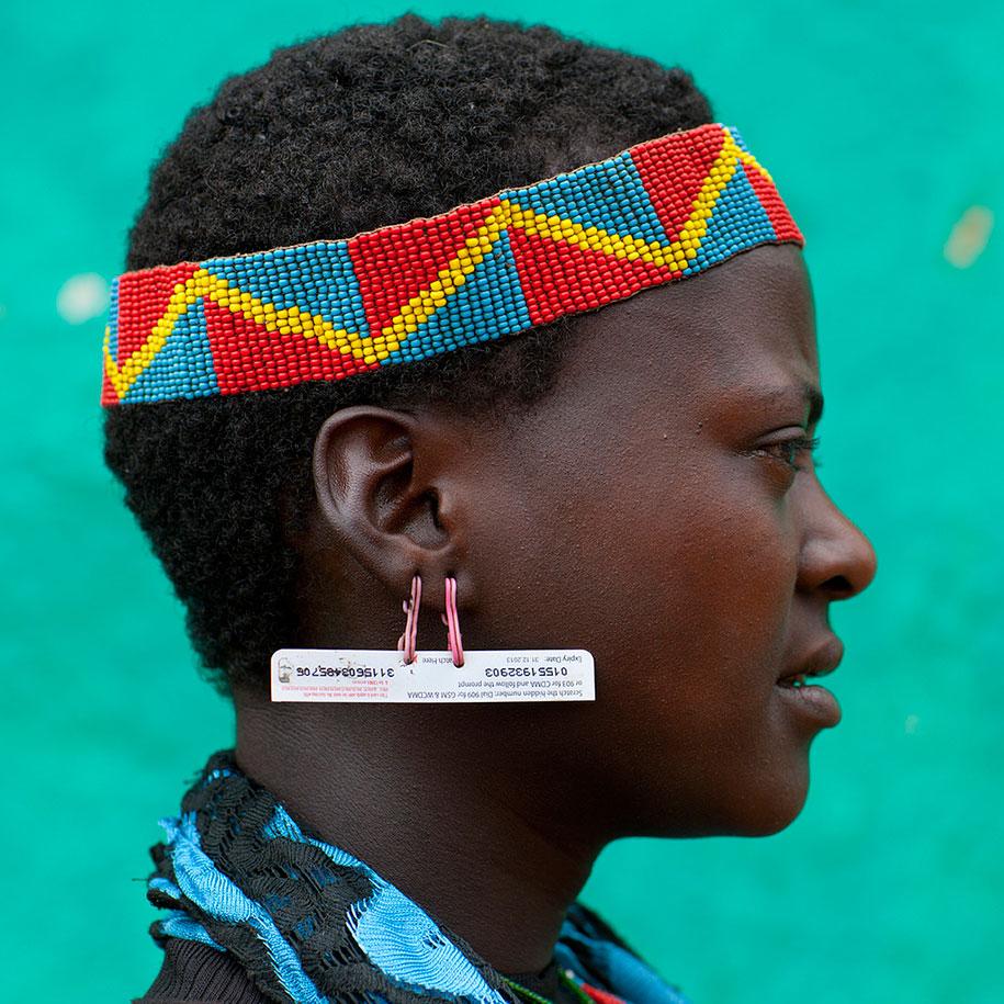 tribù-daasanach-ricicla-rifiuti-gioielli-testa-eric-lafforgue-etiopia-13
