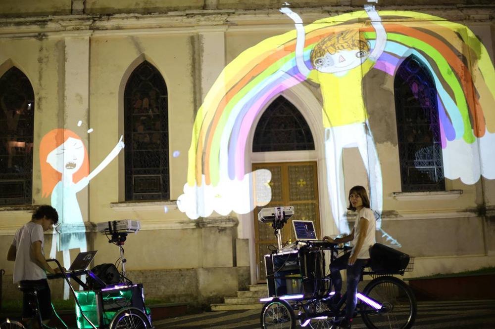 tricicli-proiezioni-street-art-vj-suave-ygor-marotta-ceci-soloaga-1