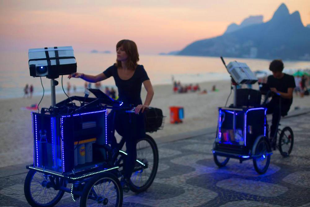 tricicli-proiezioni-street-art-vj-suave-ygor-marotta-ceci-soloaga-2