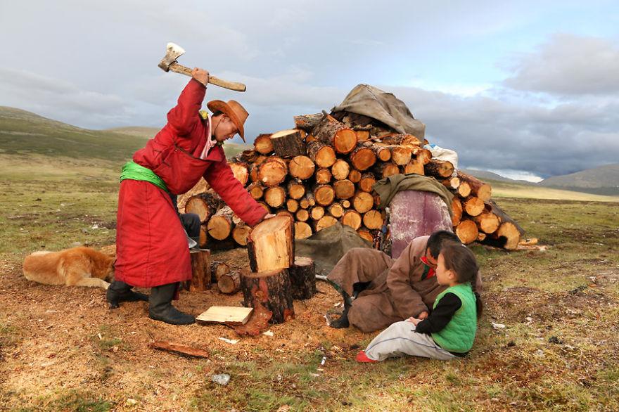 tsaatan-popolo-nomadi-mongolia-renne-02