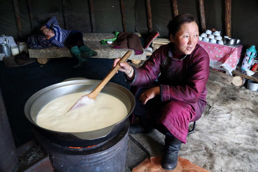 tsaatan-popolo-nomadi-mongolia-renne-04