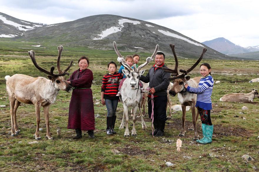 tsaatan-popolo-nomadi-mongolia-renne-16