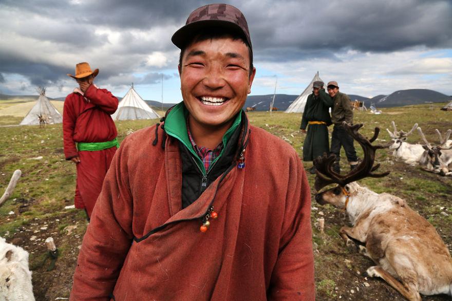 tsaatan-popolo-nomadi-mongolia-renne-24