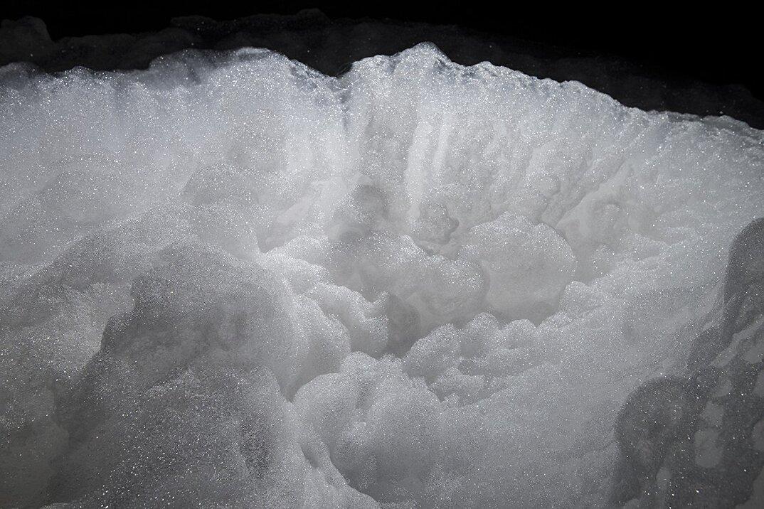 arte-installazione-nuvole-schiuma-kohei-nawa-3