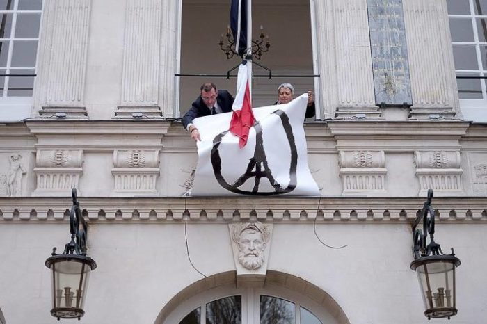 attentato-parigi-simbolo-pace-jean-jullien-4