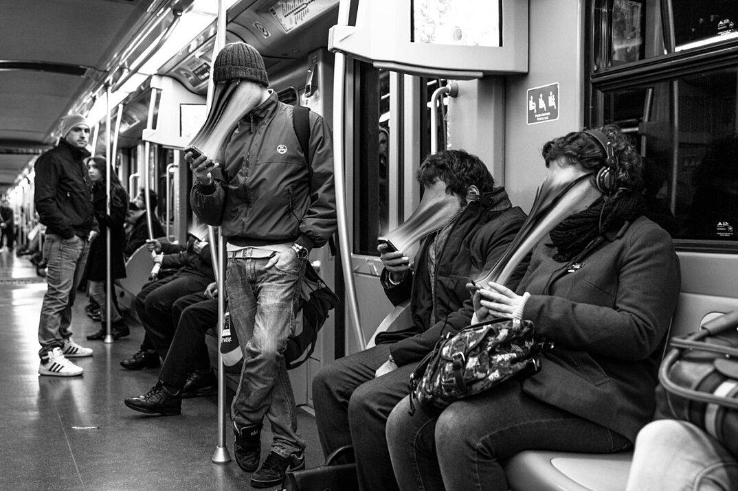 dipendenza-cellulari-social-network-smartphone-fotografia-max-cavallari-07