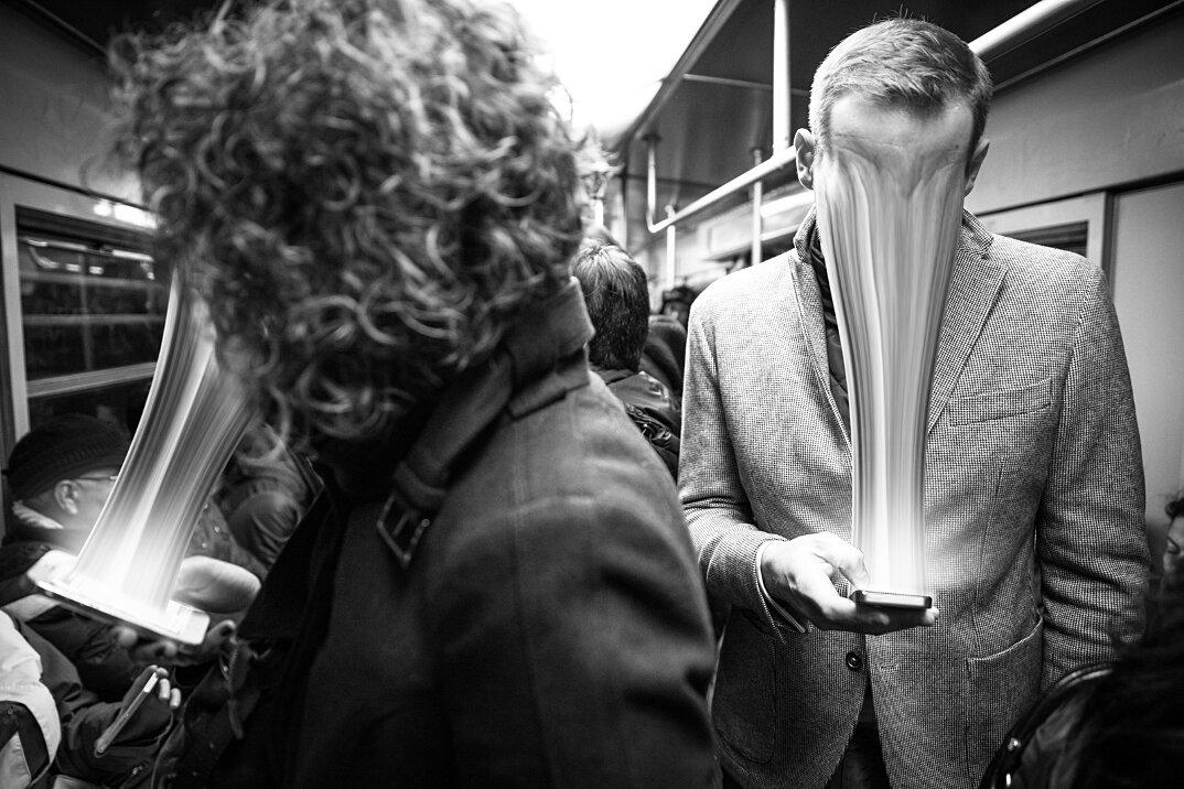 dipendenza-cellulari-social-network-smartphone-fotografia-max-cavallari-10