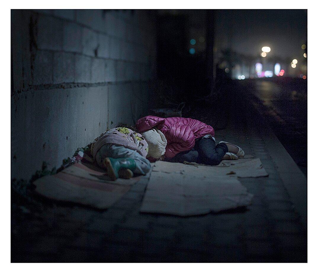 fotografia-dove-dormono-bambini-rifugiati-siriani-magnus-wennman-17