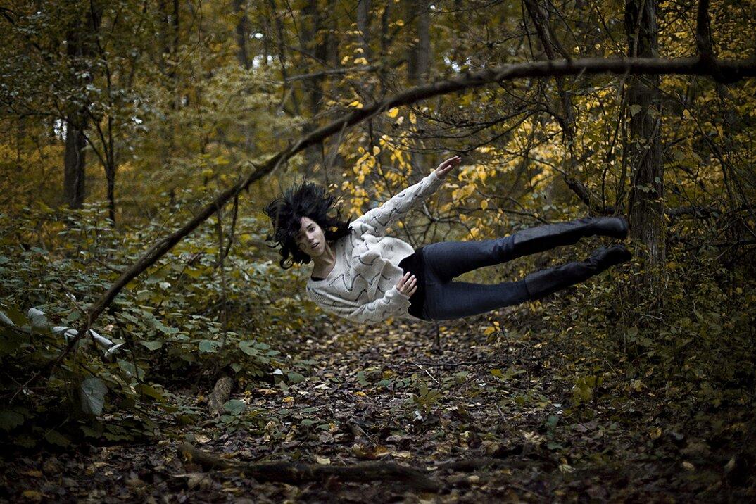 fotografia-grottesca-surreale-gravita-mike-dempsey-07
