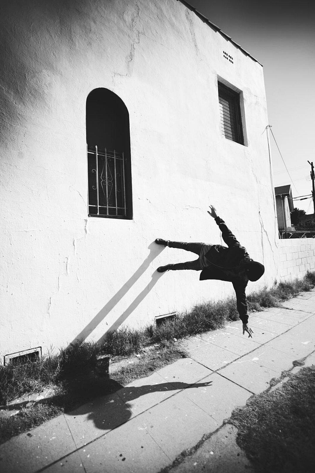 fotografia-grottesca-surreale-gravita-mike-dempsey-17