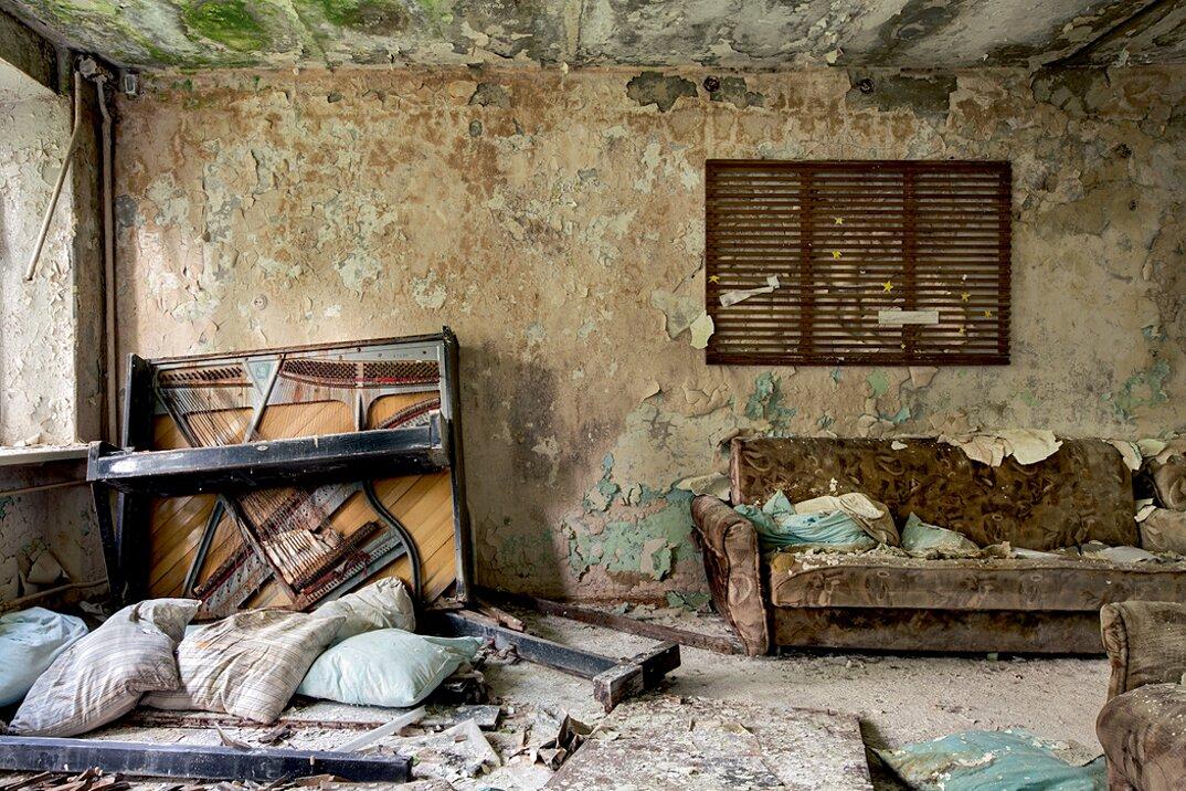 fotografia-luoghi-abbandonati-unione-sovietica-soviet-ghosts-rebecca-bathory-24
