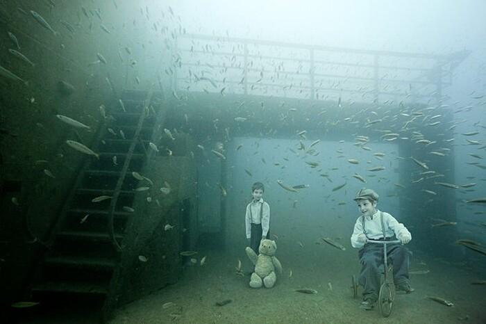 fotografia-surreale-sotto-acqua-03