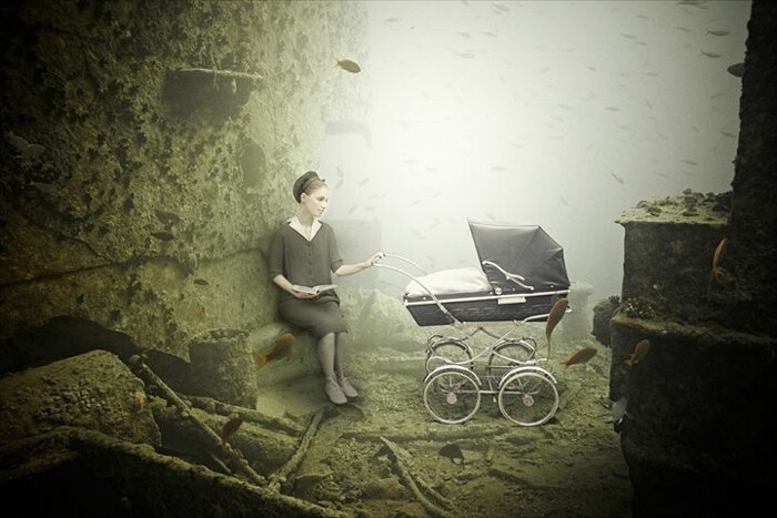 fotografia-surreale-sotto-acqua-04