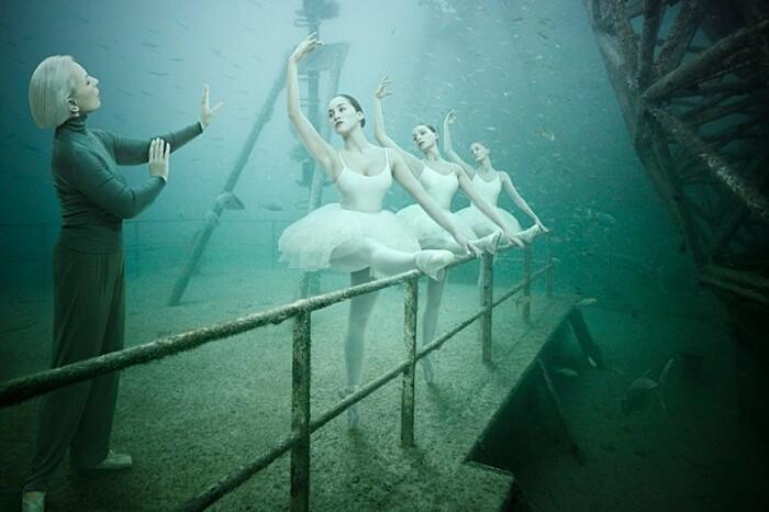 fotografia-surreale-sotto-acqua-10