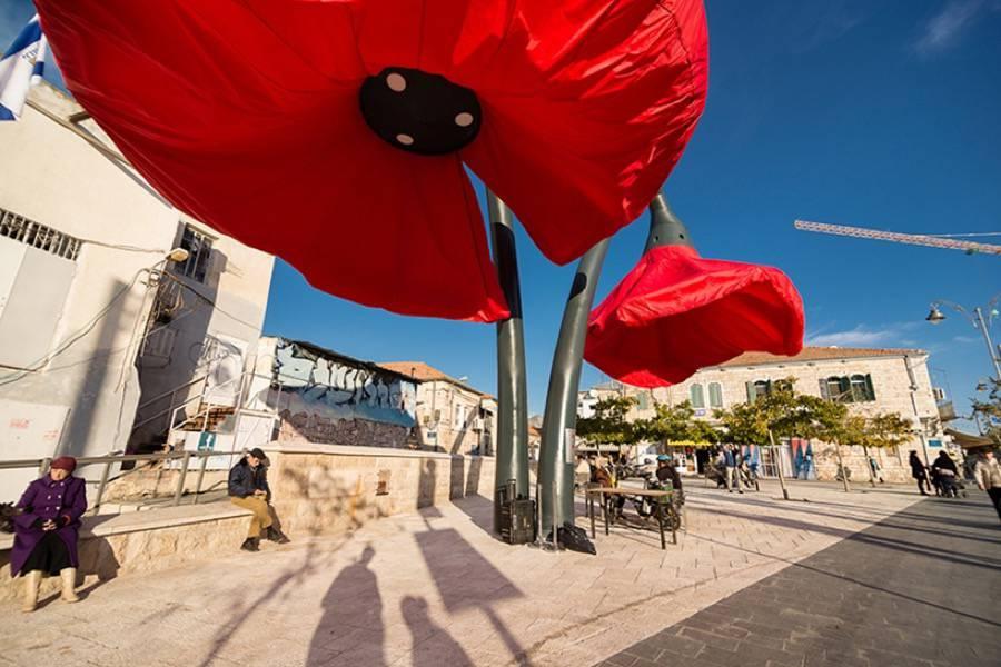 installazione-interattiva-fiori-giganti-gerusalemme-hqarchitects-3