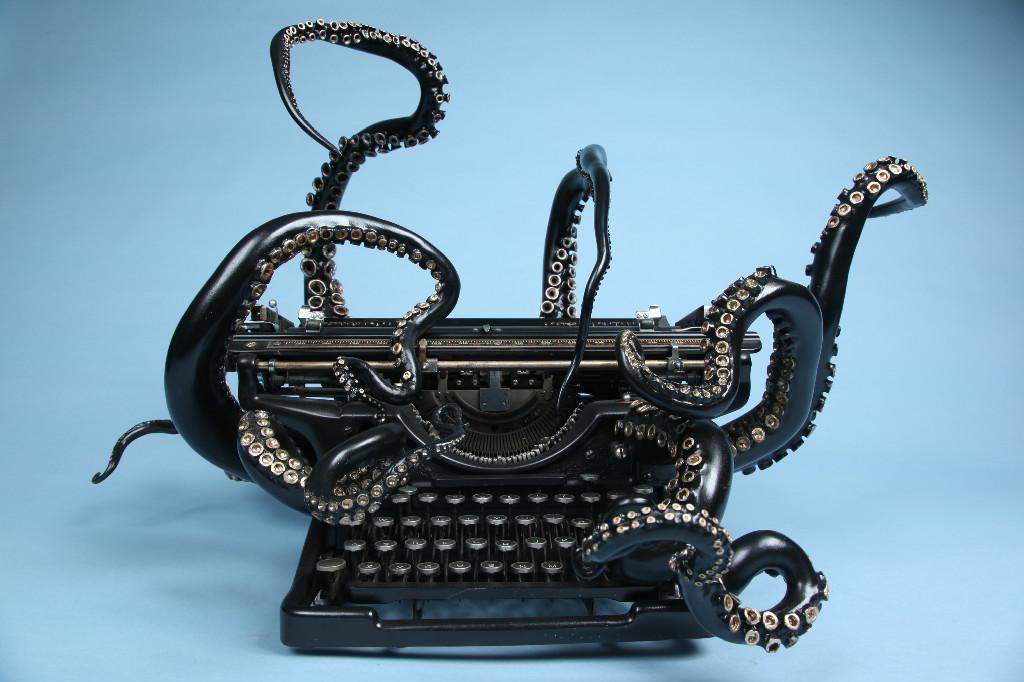 macchina-da-scrivere-vintage-underwood-1938-tentacoli-scultura-arte-courtney-brown-1