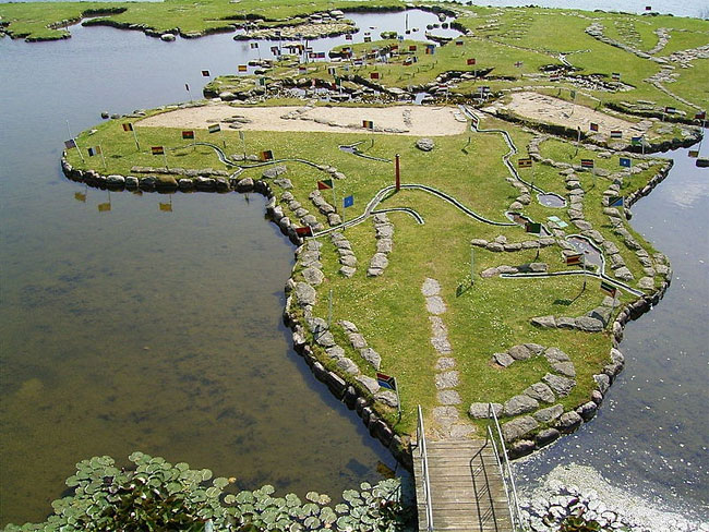 mappa-mondo-terreno-lago-klejtrup-danimarca-1