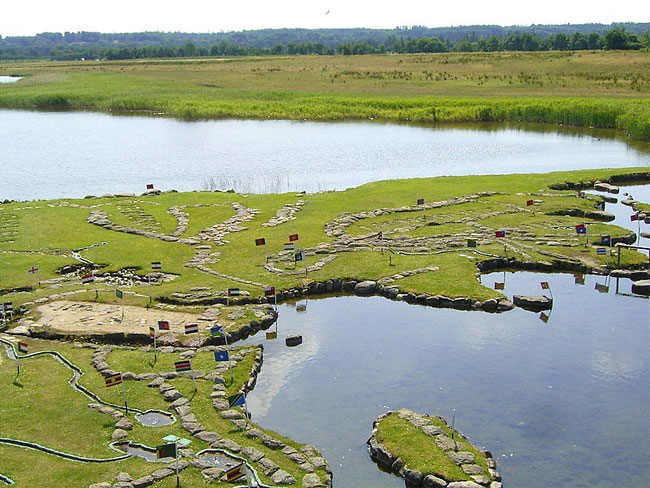 mappa-mondo-terreno-lago-klejtrup-danimarca-3