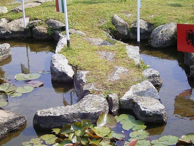 mappa-mondo-terreno-lago-klejtrup-danimarca-5