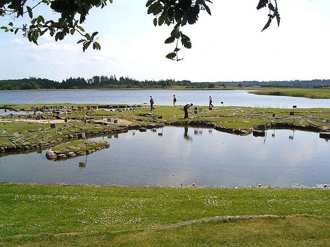 mappa-mondo-terreno-lago-klejtrup-danimarca-8