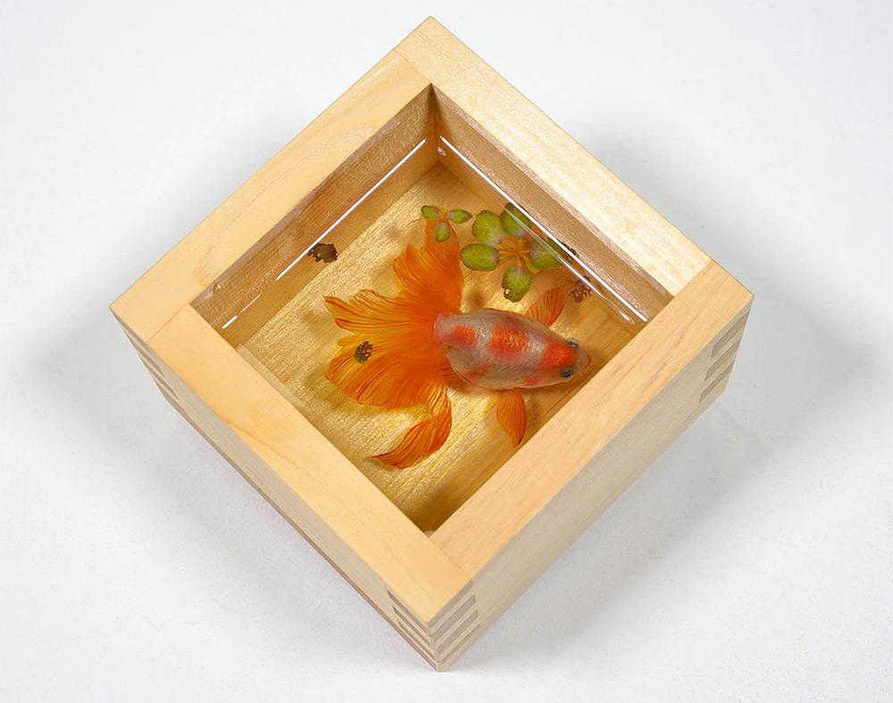 pesci-rossi-dipinti-strati-resina-iperrealismo-riusuke-fukahori-10