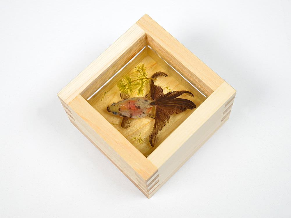 pesci-rossi-dipinti-strati-resina-iperrealismo-riusuke-fukahori-11