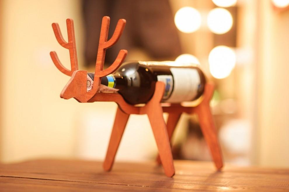 I bellissimi porta bottiglie da vino a forma di animali di - Porta vino legno ...