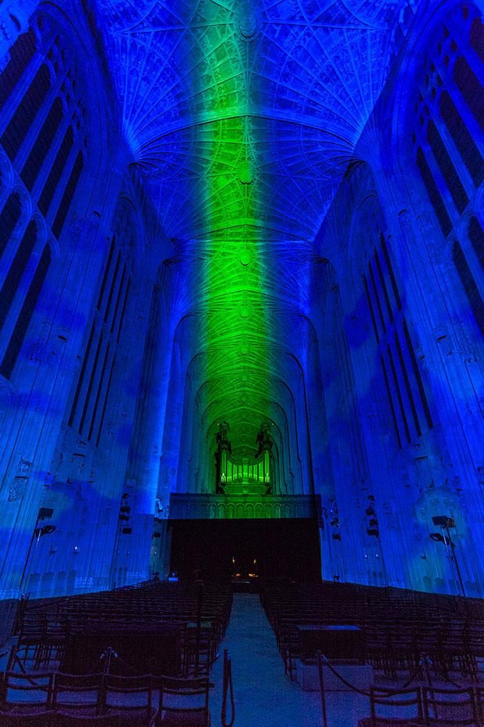 proiezioni-digitali-chiesa-cambridge-miguel-chevalier-1