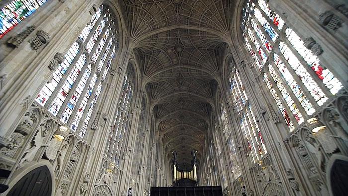 proiezioni-digitali-chiesa-cambridge-miguel-chevalier-4