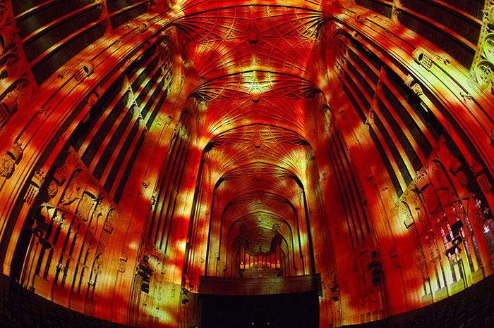 proiezioni-digitali-chiesa-cambridge-miguel-chevalier-6