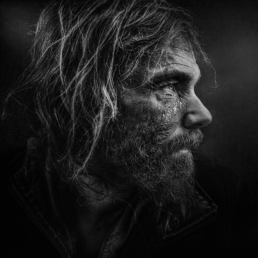 ritratti-senzatetto-lee-jeffries-1