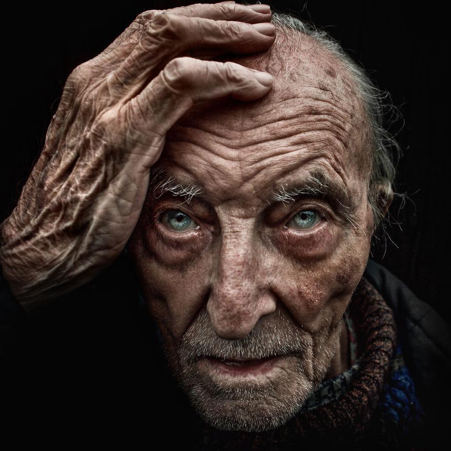 ritratti-senzatetto-lee-jeffries-10