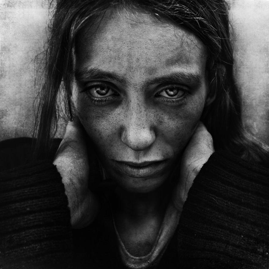 ritratti-senzatetto-lee-jeffries-13