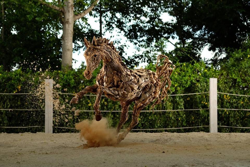sculture-legno-riciclato-di-recupero-james-doran-webb-06