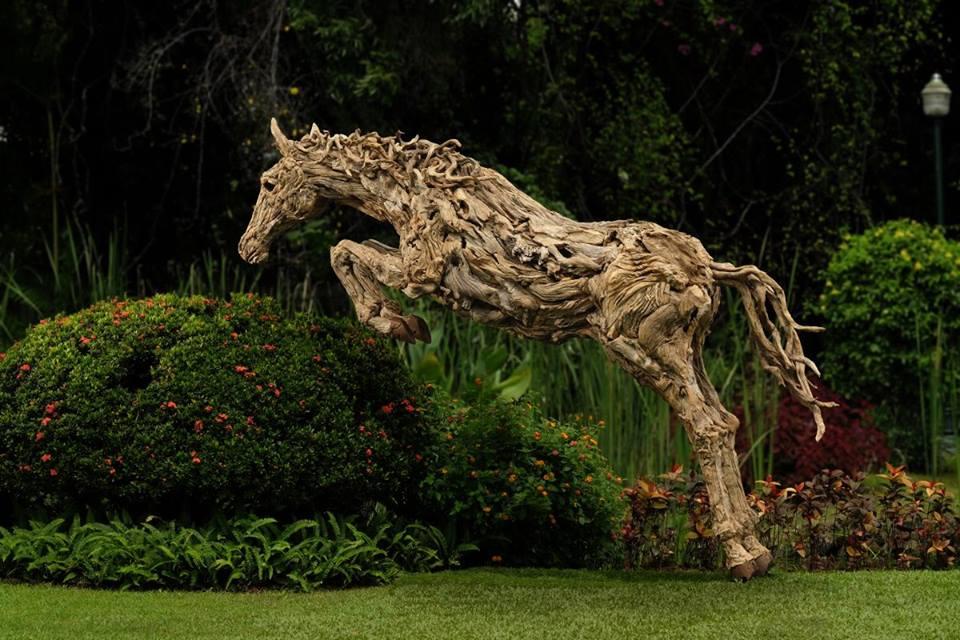 sculture-legno-riciclato-di-recupero-james-doran-webb-09