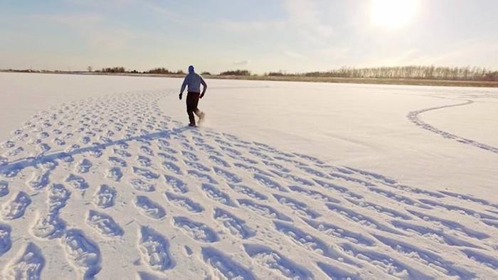 snow-art-drago-disegni-giganti-neve-simon-beck-01