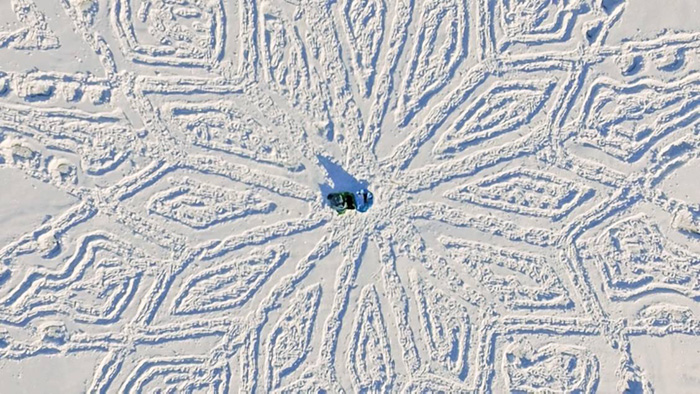 snow-art-drago-disegni-giganti-neve-simon-beck-09