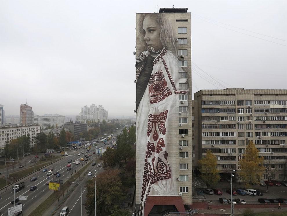 street-art-kiev-ucraina-guido-van-helten-03