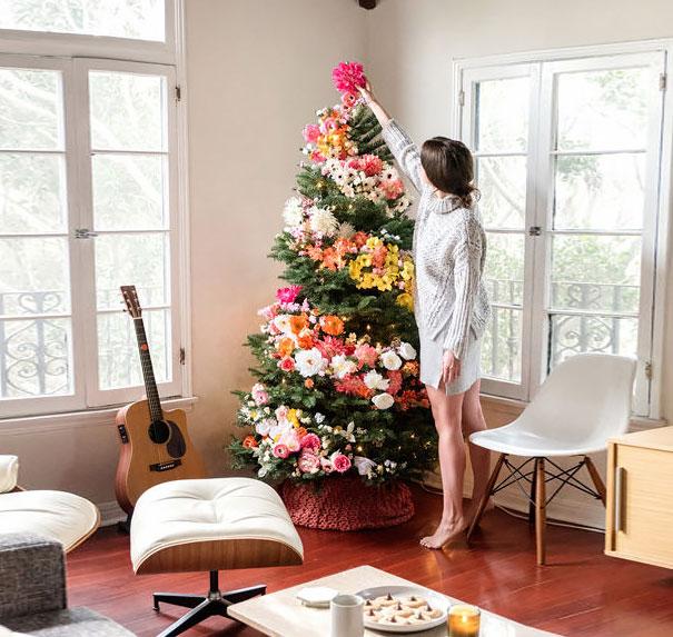 albero-natale-floreale-idee-decorazioni-01