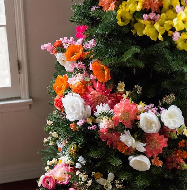 albero-natale-floreale-idee-decorazioni-02