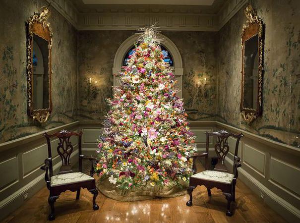 albero-natale-floreale-idee-decorazioni-04