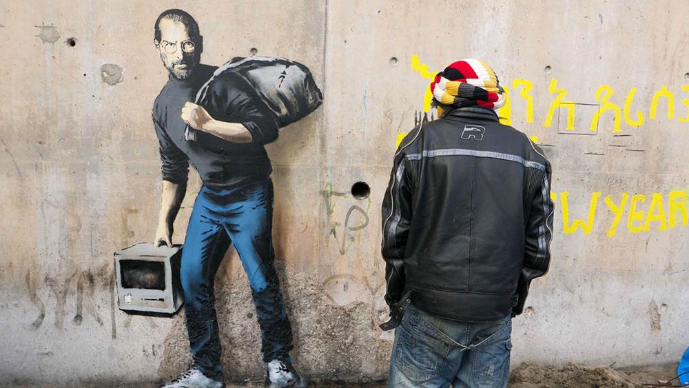 banksy-street-art-profughi-siriani-steve-jobs-2