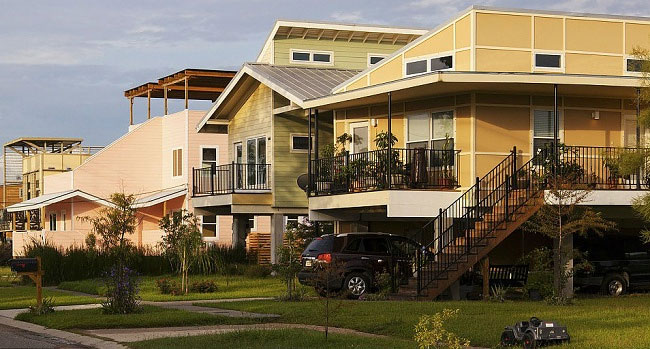 brad-pitt-costruisce-case-senzatetto-new-orleans-uragano-katrina-04