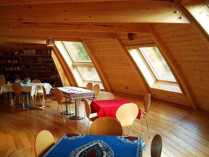 casa-cupola-ufo-ruotante-domespace-solaleya-02