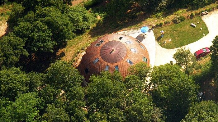 casa-cupola-ufo-ruotante-domespace-solaleya-16
