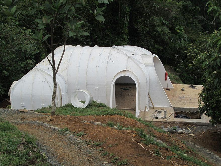 case-eco-sostenibili-buchi-hobbit-green-magic-homes-3