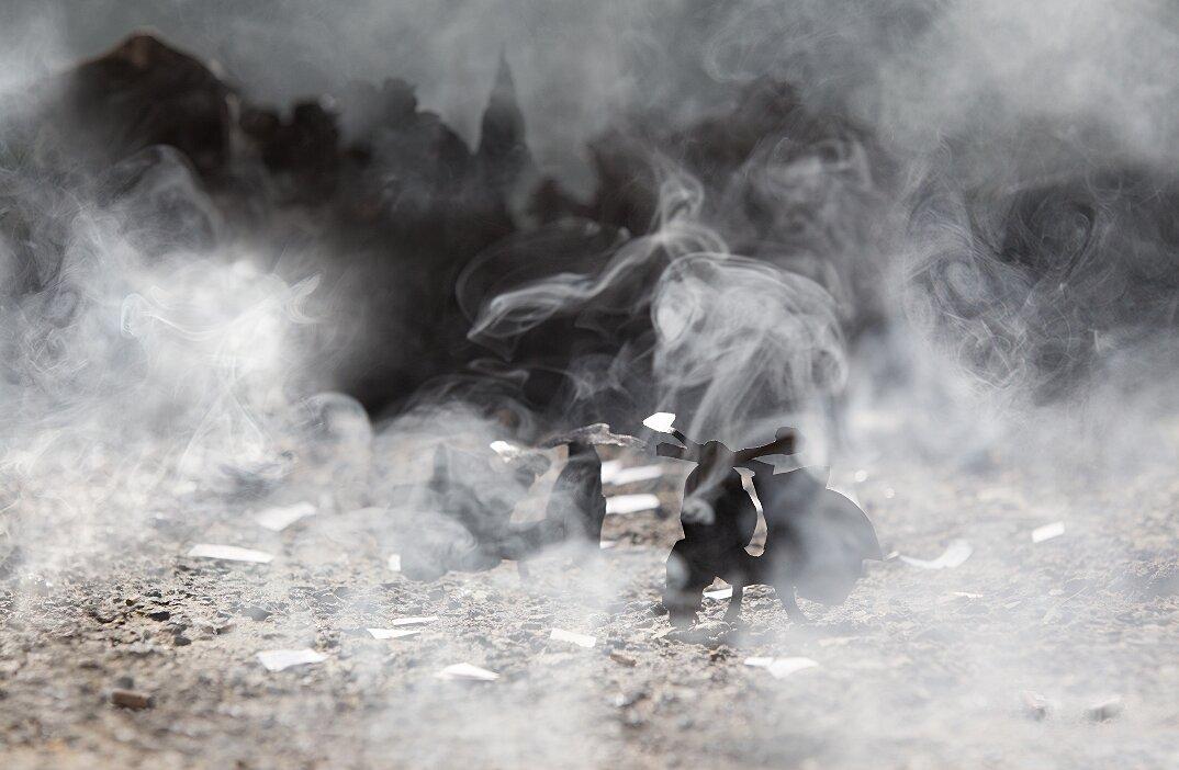 fotografia-miniature-carta-fumo-cambogia-guerra-remissa-mak-05