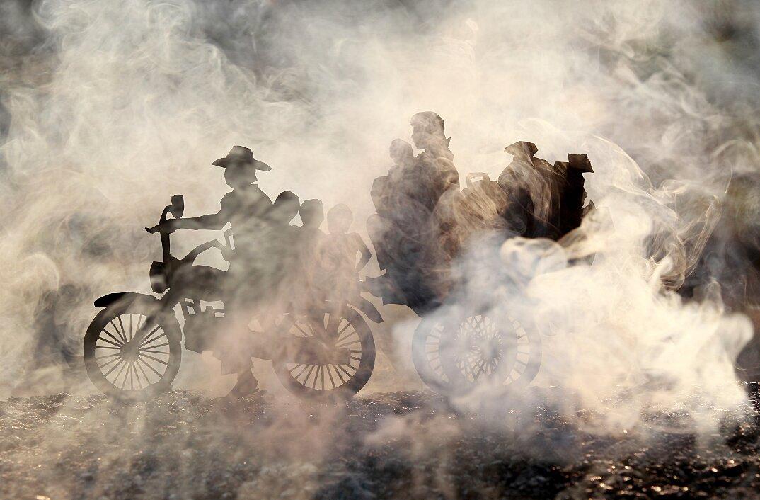fotografia-miniature-carta-fumo-cambogia-guerra-remissa-mak-06